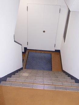 f-056_階段