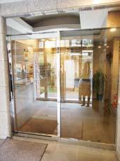 目黒いずみマンション_オートロック式自動ドア