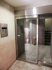 菱和パレス高輪壱番館_オートロック式自動ドア