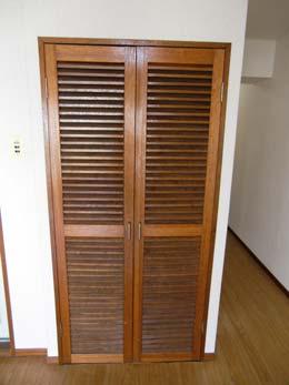 セザール目黒_洗濯機置場の扉
