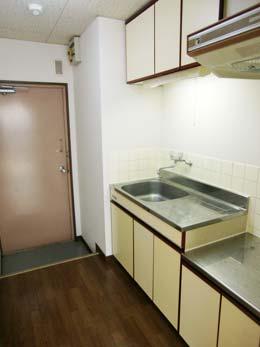 フルール中目黒_玄関とキッチン