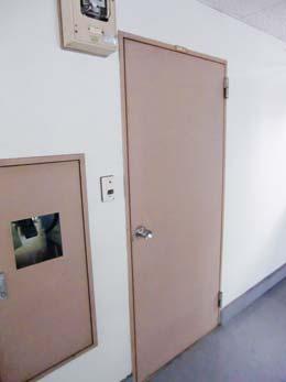 フルール中目黒_玄関のドア