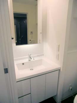 アパートメンツタワー目黒_トイレの洗面台