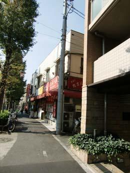 ミルーム目黒通り_エントランス前(右側)