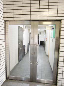 f-115_オートロック式ドア