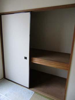 第1コーポ森田_和室の押入れ(開放状態)