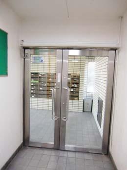 f-115_オートロック解除後のドア