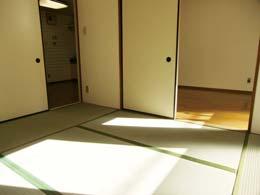シャンボール五反田_和室からキッチンと洋室に向けてのショット