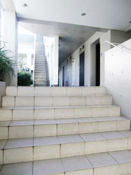 LUKE_共用階段の別ショット