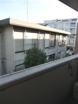 ファインクレスト上目黒_洋室のバルコニーからの景色