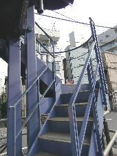 KAKUTANIレイヴァリー_外階段