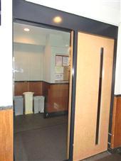 タイムズコート白金_オートロック式ドア